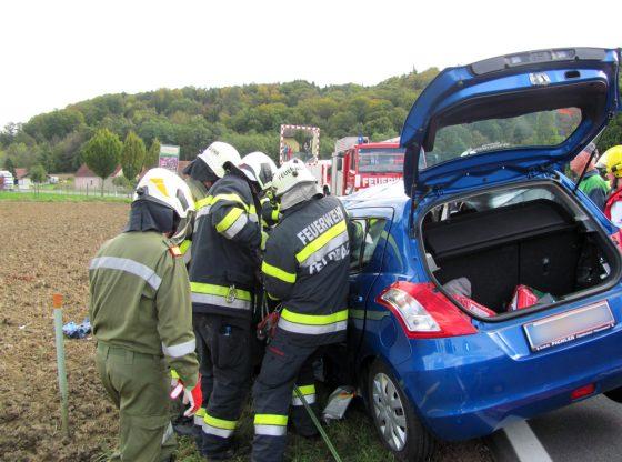 Die verletze Person wurde mittels hydraulischem Rettungsgerät gerettet